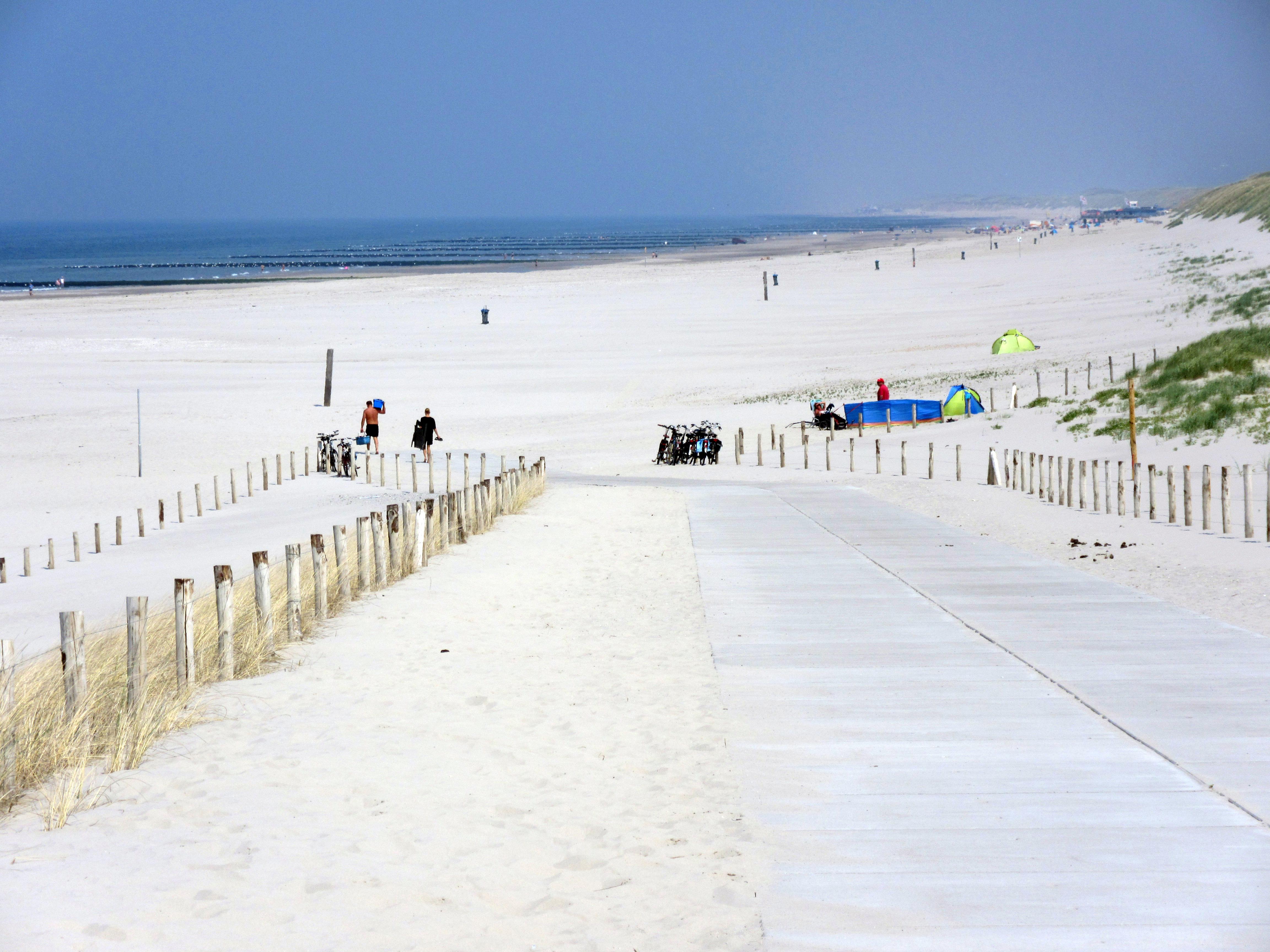 Der neue Strandauf/abgang in Petten.